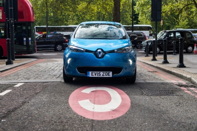 Renault to Electrify Christmas with #SOSBattery