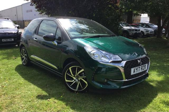 citroen ds3 hatchback 3 door 1 2 puretech 110ps connected chic s s for sale at rawlinson. Black Bedroom Furniture Sets. Home Design Ideas