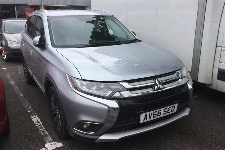MITSUBISHI Outlander Station Wagon 5-Door 2.2 DI-D GX3