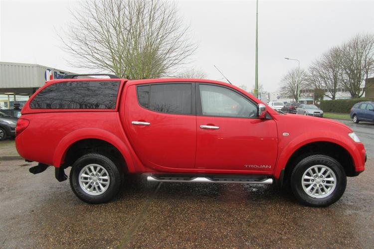 mitsubishi-l200-2-5-di-d-4wd-trojan-double-cab-pickup-for-sale-at-rawlinson-group-used-car-dealer-based-in-belfast-and-north-down-northern-ireland