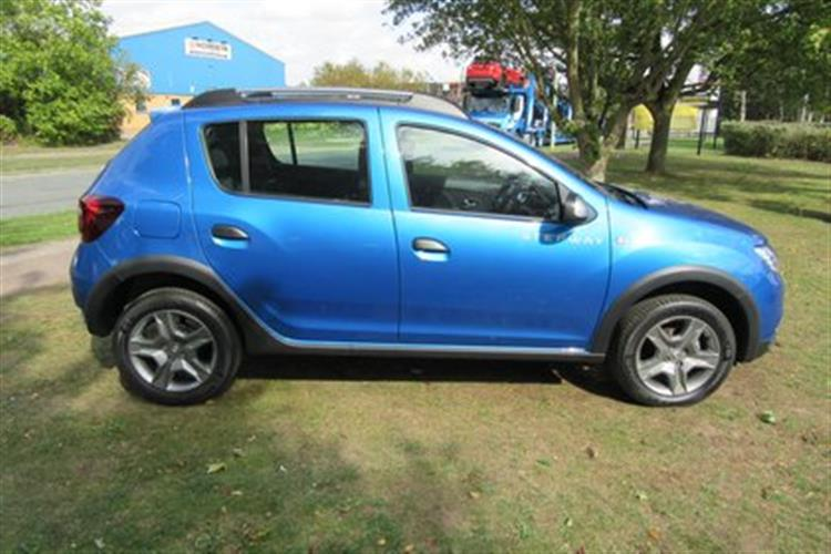 Dacia Sandero Stepway Hatchback 5 Door 09tce 90bhp Ambiance For